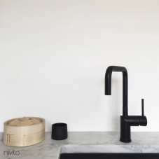 Agua torneira preto